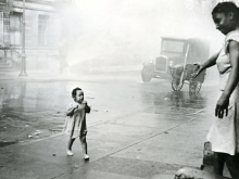 Untitled, New York (mother, child, open fire hydrant)